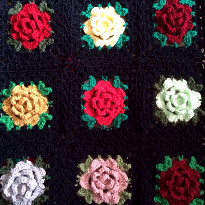 rose-granny-square-free-crochet-pattern