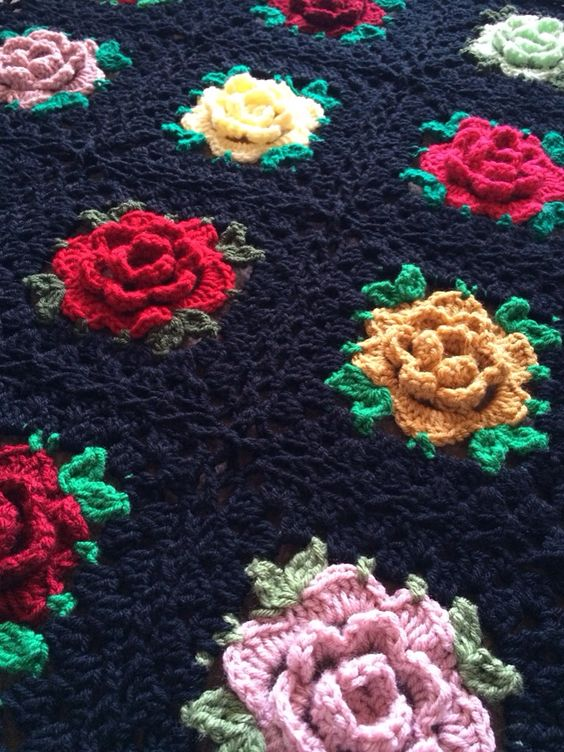 Roses Afghan to Crochet