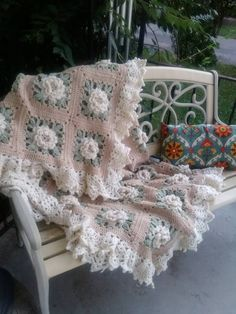 httpwwwravelrycompatternslibraryrose-in-bloom-for-the-afghan-279782